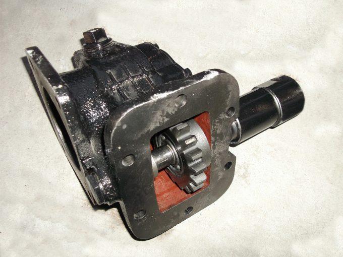 Коробка отбора мощности на а/м ЗИЛ под насос НШ (Зил-555) пневматическое включение